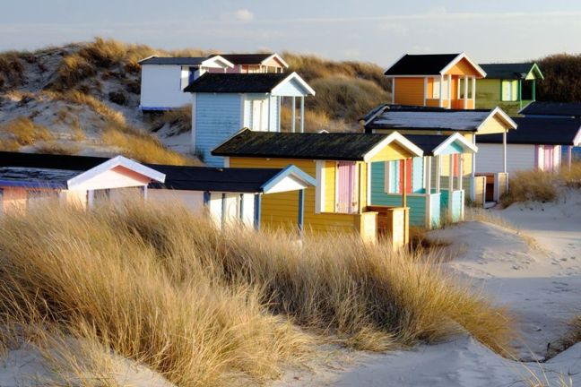 beach_huts_vellinge_autoresized